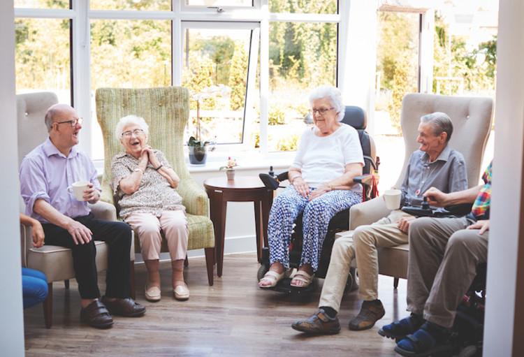 Vlaams Patiëntenplatform pleit voor Covid Safe Ticket bij bezoek in ziekenhuizen en wzc's.